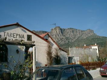 ギリシャのレストラン「タベルナ」